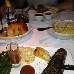 Photo taken at Fleming's Prime Steakhouse & Wine Bar by Roman on 5/12/2013