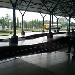 Photo taken at Stasiun Purwokerto by Septo A. on 3/29/2013
