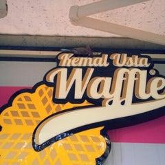 Photo taken at Kemal Usta Waffles by Gokhan on 2/3/2013