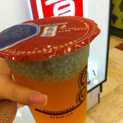 Photo taken at 貢茶 Gong Cha by Josephine N. on 4/20/2012