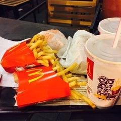 Photo taken at McDonald's by Eiya J. on 5/1/2015