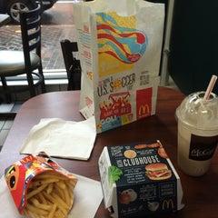 Photo taken at McDonald's by Carlos Alberto B. on 7/4/2014