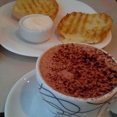 Photo taken at Grão Espresso by Janaina G. on 10/2/2013
