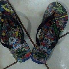 Photo taken at Havaianas by guylber #. on 3/11/2014