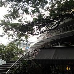 Photo taken at J Avenue (เจ อเวนิว) by Ekaluck K. on 11/4/2012
