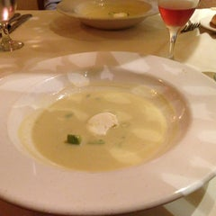 Photo taken at Veneto Restaurante by Cecy U. on 7/21/2013