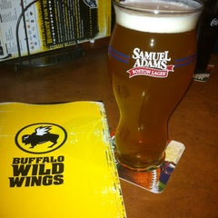 Photo taken at Buffalo Wild Wings by Christoff J. on 2/13/2013