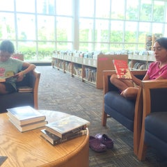 Photo taken at Tamarac Public Library by Maria L. on 8/7/2015