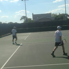 Photo taken at Mcfarlin Tennis Facility by Vonia on 9/13/2013