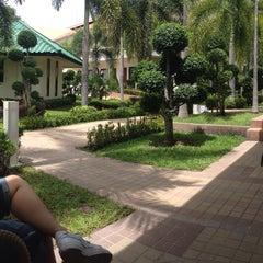 Photo taken at Thai Garden Resort (ไทยการ์เด้น รีสอร์ท) by Noon N. on 8/11/2015