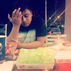 Photo taken at KFC / KFC Coffee by Ranti S. on 10/30/2014