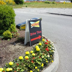Photo taken at SONIC Drive In by Katoya P. on 6/1/2013