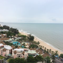 Photo taken at Springfield Beach Resort Cha-Am by Apple U. on 6/14/2014