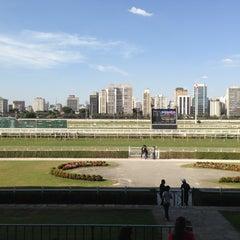 Foto tirada no(a) Jockey Club de São Paulo por Ricardo B. em 8/25/2013