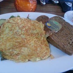 Photo taken at Cafe de Stam by Ari R. on 1/4/2014