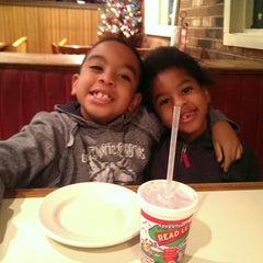 Photo taken at Pizza Hut by Terrance G. on 12/12/2014