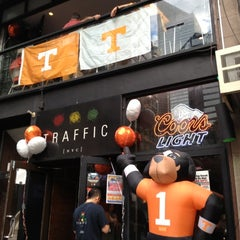 Photo taken at Traffic Bar Midtown East by Rachel H. on 9/29/2012