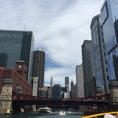 Photo taken at Chicago Water Taxi (Michigan) by Kevin Z. on 8/22/2015