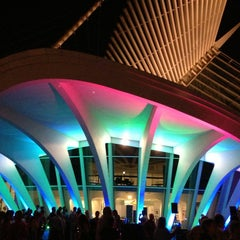 Photo taken at Milwaukee Art Museum by PupilsBabyBlue .. on 7/20/2013