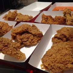 Photo taken at KFC by Ome T. on 9/7/2014