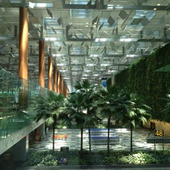 Photo taken at Singapore Changi Airport (SIN) by Kowit P. on 7/23/2013