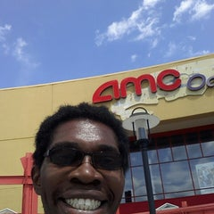 Photo taken at AMC Oakview Plaza 24 by Vernon J on 8/3/2014