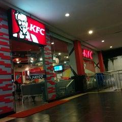 Photo taken at KFC by Adi R. on 4/9/2014