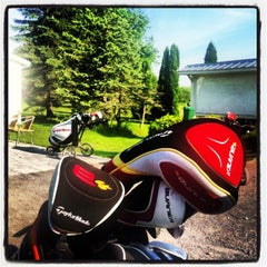 Photo taken at Club de golf de Chambly by Fred B. on 6/16/2013