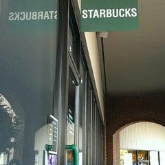 Photo taken at Starbucks by 賈斯汀 K. on 7/7/2014