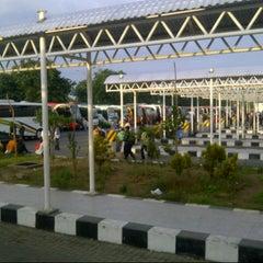 Photo taken at Terminal Purabaya (Bungurasih) by dek n. on 4/27/2013