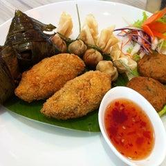 Photo taken at Restaurant Soi Thai by Nion T. on 5/21/2013