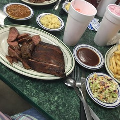 Photo taken at Mo's BBQ by Alix L. on 9/9/2015