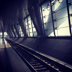 Photo taken at Frankfurt (Main) Flughafen Fernbahnhof by Peer W. on 3/18/2015