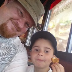 Photo taken at Burger King® by Mirlin M. on 6/7/2015