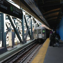 Photo taken at MTA Subway - 4th Ave/9th St (F/G/R) by Lindy L. on 3/3/2013