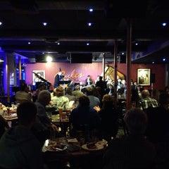 Photo taken at Ryles Jazz Club by kenji r. on 9/12/2014