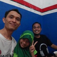 Photo taken at Bakso Tengkleng Mas Bambang by Didit Y. on 1/3/2015