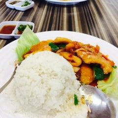 Photo taken at Restoran Cina Muslim Mohd Chan Abdullah by Anna B. on 7/22/2015