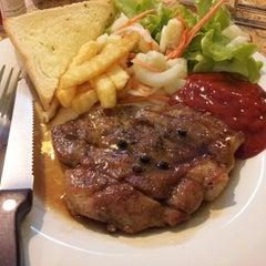 Photo taken at Steak - Kun,bangsean,chonburi by bank y. on 9/5/2012
