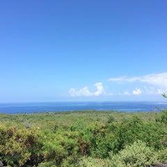 Photo taken at Hōnaunau Bay Puʻuhonua Pt. by Matt on 7/24/2014