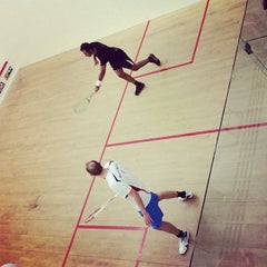 Photo taken at Hong Kong Squash Centre 香港壁球中心 by 嘉韋 吳. on 12/5/2013