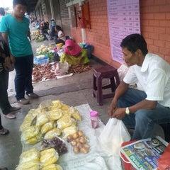 Photo taken at Pasar Kraftangan (Handicraft Market) by Azran Malda A. on 12/23/2012