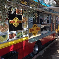 Photo taken at India Jones Chow Truck by Jonathan R. on 8/8/2014
