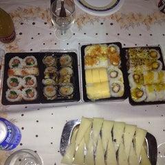Photo taken at Sushi King by Juan Francisco P. on 9/3/2013