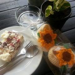 Photo taken at Delish Cafe by PINYAPHAT ^. on 12/27/2012