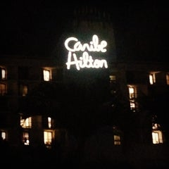 Photo taken at Caribe Hilton Lobby Bar by Dorsey C. on 3/17/2014
