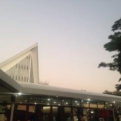 Photo taken at The First Church of Chiang Mai โบสถ์คริสตจักรที่ 1 เชียงใหม่ by Nancyy T. on 2/13/2015