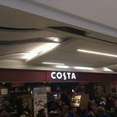 Photo taken at Costa Coffee by Bernardo P. on 10/27/2012