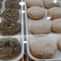 Photo taken at Krispy Kreme by Alejandro C. on 3/10/2015