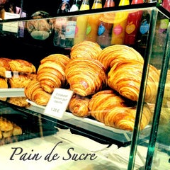 Photo taken at Pain de Sucre by Prissyhan on 10/28/2012